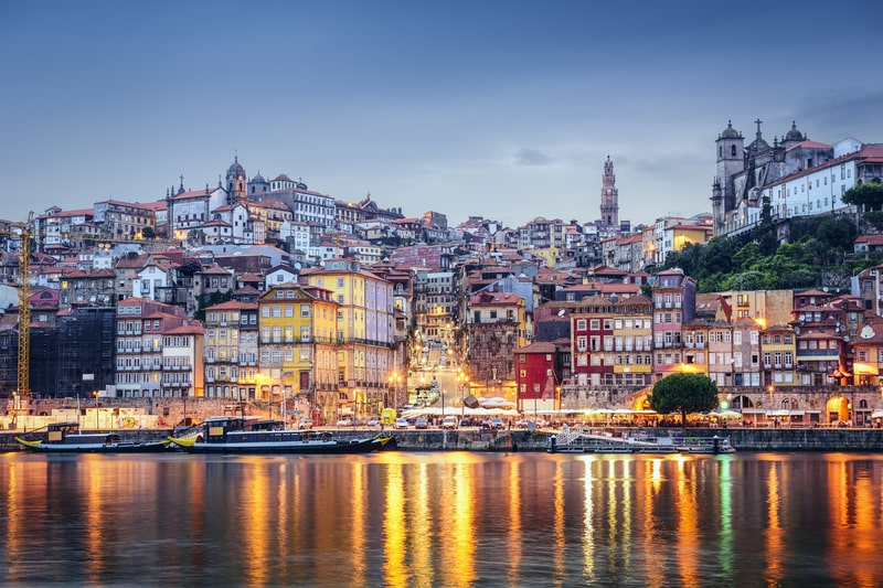 Porto, Portugal, set fra Douro-floden