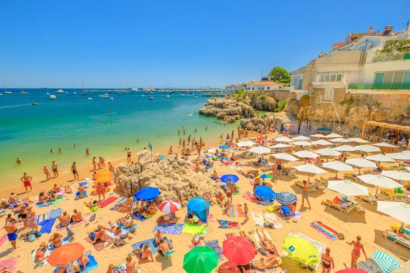 Praia da Rainha i Cascais, Portugal | © Bennymarty | Dreamstime.com